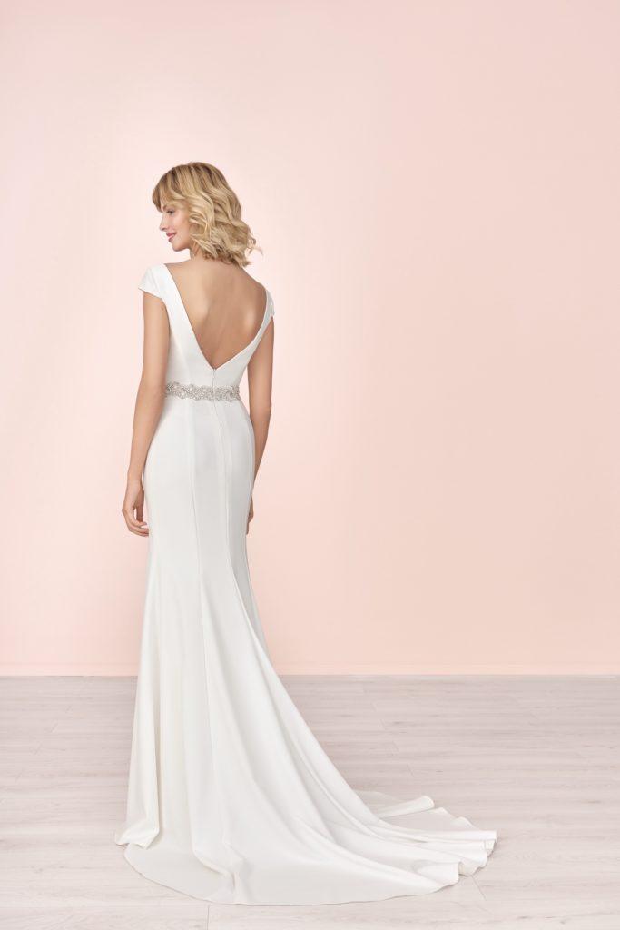Suknia ślubna dopasowana Elizabeth Passion model 4057T