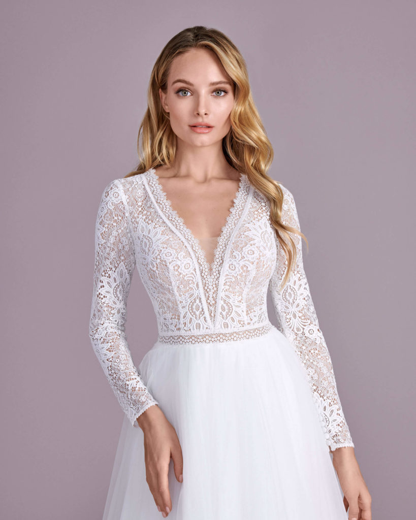 Suknia ślubna długi rękaw Elizabeth Passion model 4424T V1