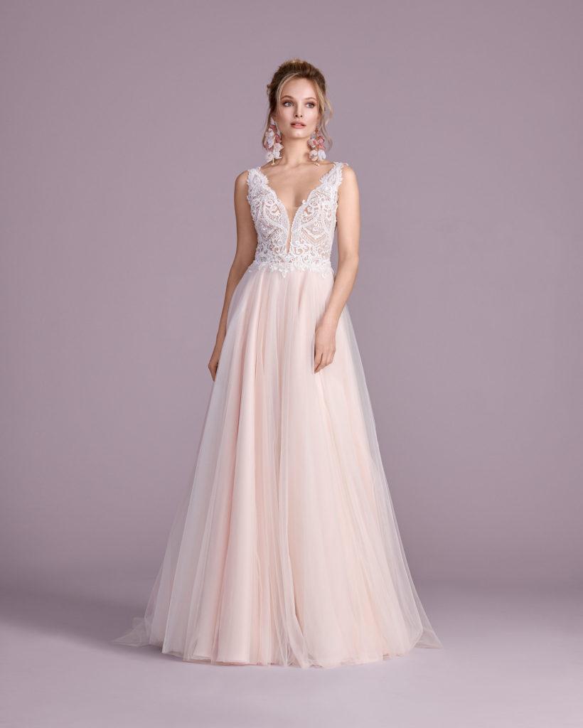 Suknia ślubna dekolt V Elizabeth Passion model 4430T