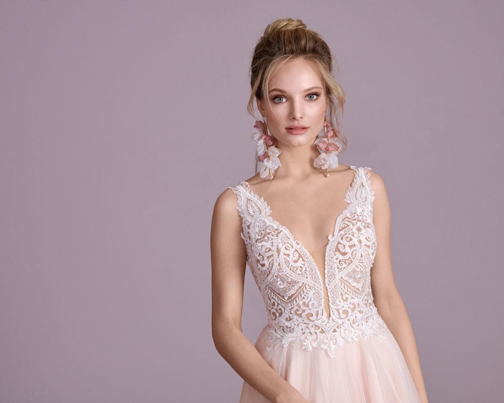 Suknia ślubna tył V Elizabeth Passion model 4430T V1