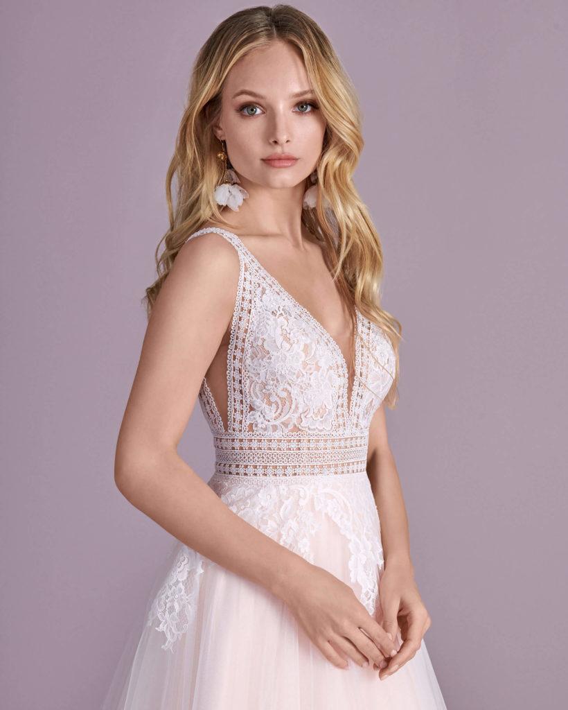Suknia ślubna nowoczesna Elizabeth Passion model 4460T V1
