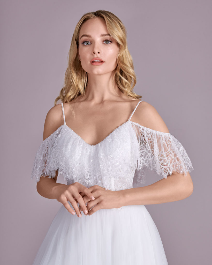 Suknia ślubna cienkie ramiączka Elizabeth Passion model 4497T V1