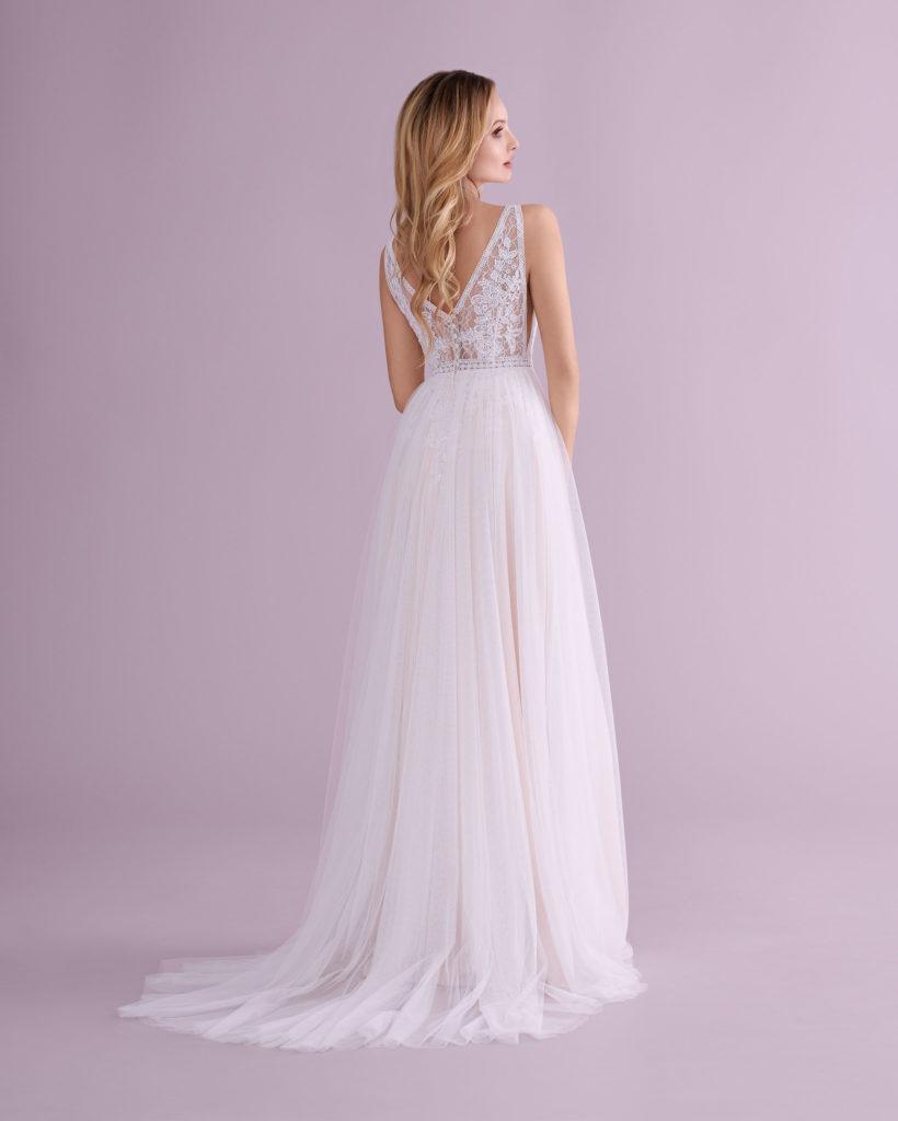 Suknia ślubna z rozporkiem Elizabeth Passion model 4553T BACK
