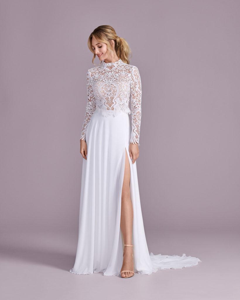 Suknia ślubna ze stójką Elizabeth Passion model 4598T V1